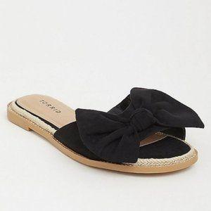 Torrid Bow Flats Sandals 9.5 Wide